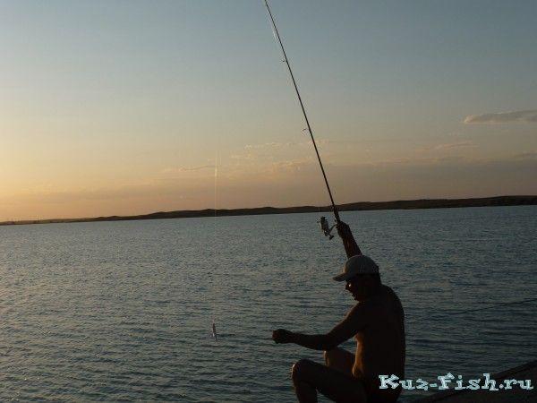 рыбалка на озере когда волны