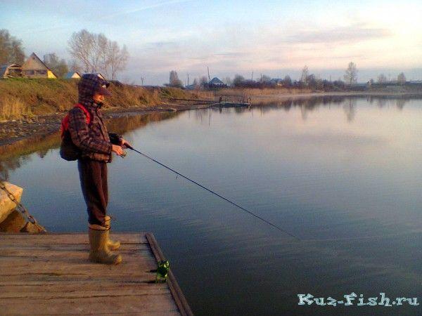 без рыбалка в белово грес простая девушка, работающая